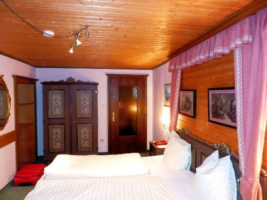 Kirchenwirt Hotel: Doppelzimmer im ersten Stock