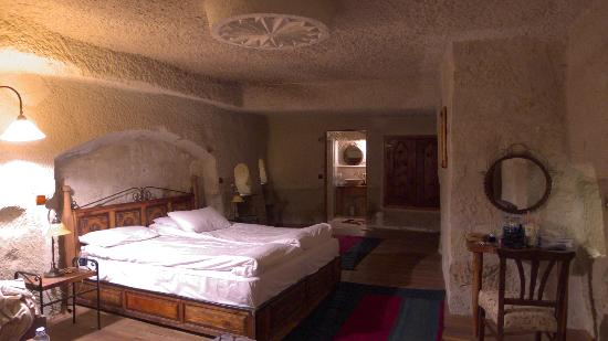 Sultan Cave Suites: Room 335