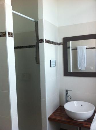 La Halte Montaigne: bathroom