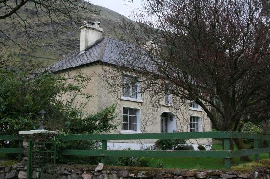 Glen Valley Farmhouse B&B : Exterior of the B&B