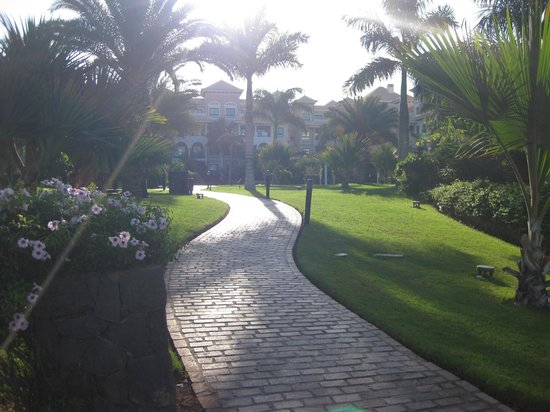 Gran Melia Palacio de Isora Resort & Spa : Immaculate grounds