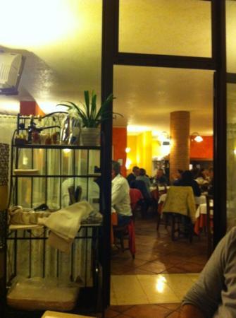 Pizzeria Ristorante En Bocon: la sala