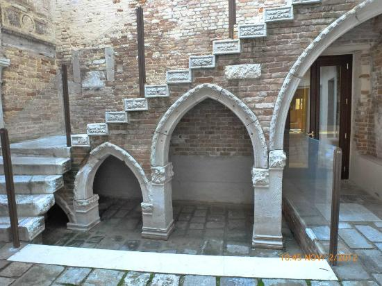 Domina Home Ca' Zusto: courtyard