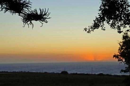 Puakea Ranch: Just one of the sunsets we saw from the front veranda. End of another perfect day.