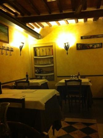Manciano, Ιταλία: carinissimo e tipico!!