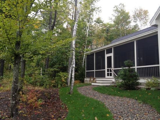 Hidden Pond: cabin front
