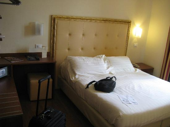 Hotel Giotto Assisi: Suite 304 Bedroom