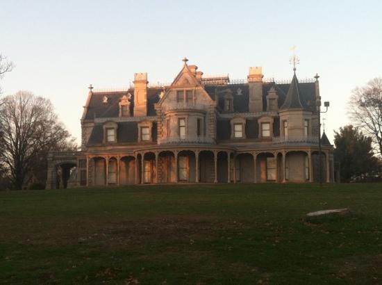 Lockwood-Mathews Mansion Museum: Lockwood-Matthews Mansion
