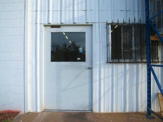 Tucumcari Mountain Cheese Factory: This door is the one to use