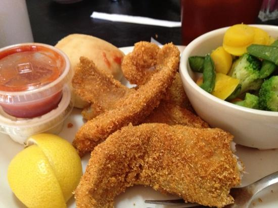 Murphy's Steakhouse: fried catfish is good delicious too