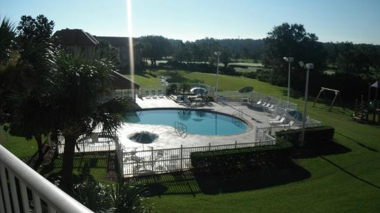 Parc Corniche Condominium Resort Hotel: Área de piscina