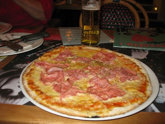 Pizzeria Mamma Mia: Margherita Pizza