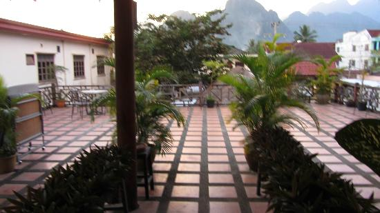 Inthira Vang Vieng: outside terrace (deserted)