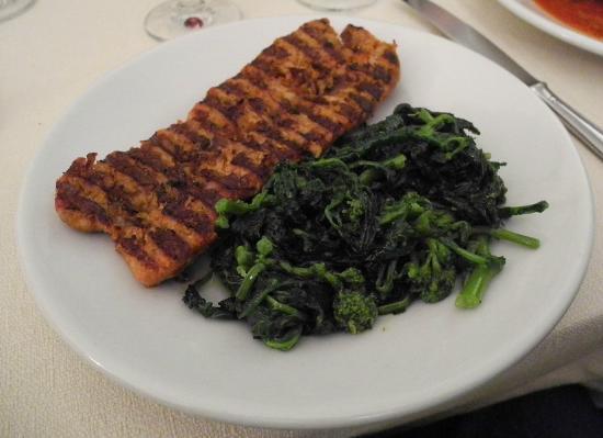 Ristorante Nunzia: salsiccia alla griglia con broccoli