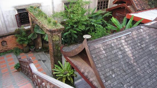Inthira Vang Vieng: hotel area