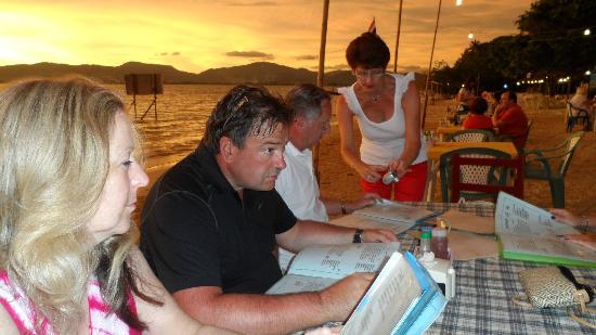 Beach Bar: Dinner on the Beach