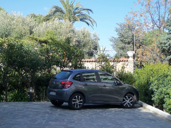 Ca' de Rossana Bed & Breakfast : The private (and secure) parking area at Ca' de Rosanna