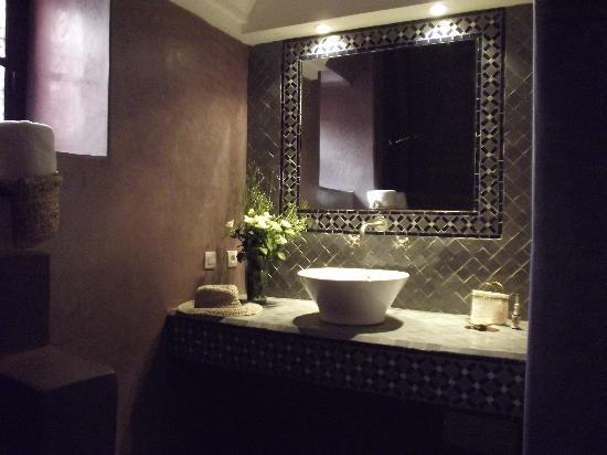 Riad Alnadine: salle de bain hajjama