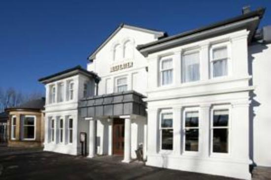 Premier Inn Inverness West Hotel: beefeater front
