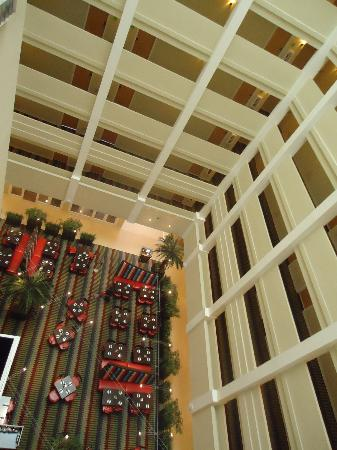 Holiday Inn Orlando – Disney Springs Area: from our floor looking down
