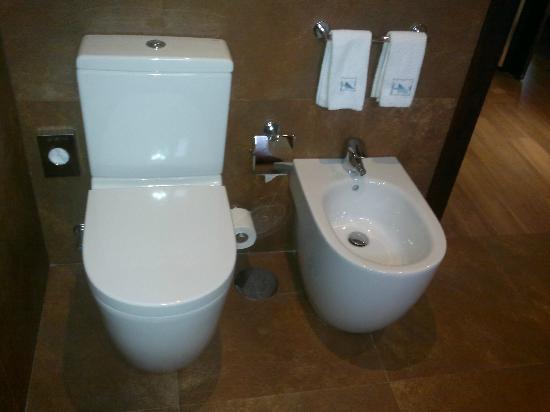 Eurostars Oporto: Salle de bain