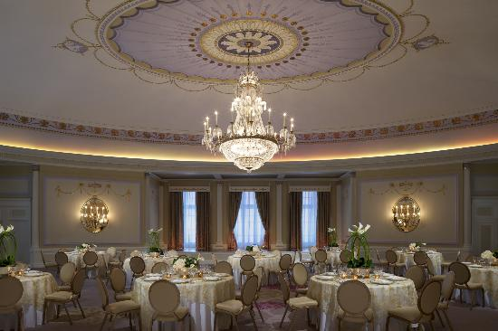 The Ritz-Carlton, Montreal: The Oval Room