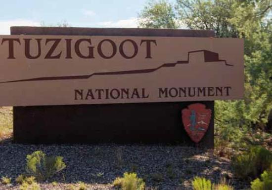 Tuzigoot National Monument: Entrance sign