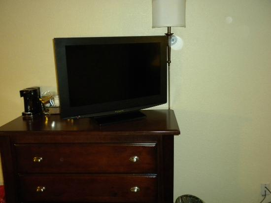 Hampton Inn Gastonia: Flat screen t.v.