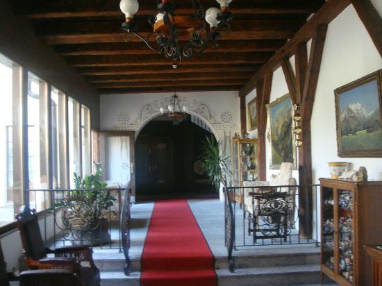 Hotel Bad Serneus : Hall area