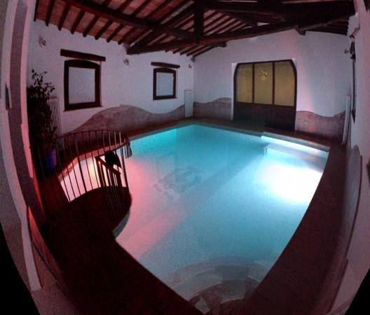 Borgobrufa SPA Resort: la piscina privata della suite imperiale! ti svegli e ti tuffi. eccezionale ed unica!