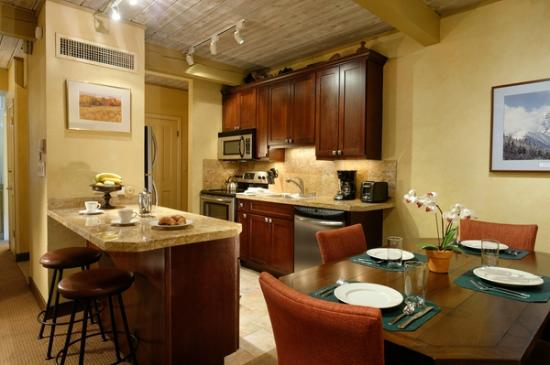 Aspen Square Condominium Hotel: One-bedroom Suite
