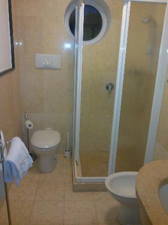 Ca' del Moro Foresteria: Salle de bains