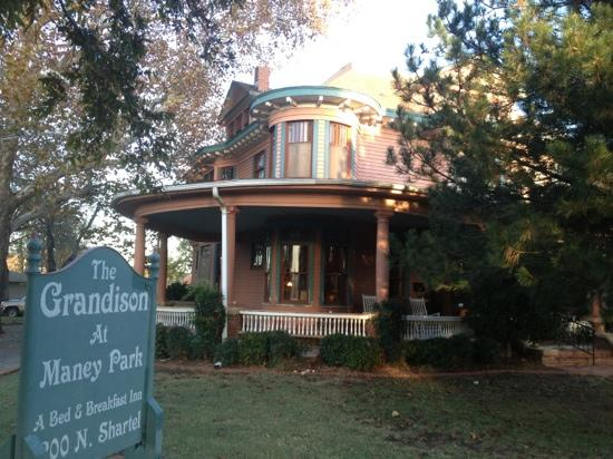 The Grandison at Maney Park: view from front.