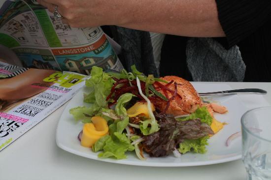 Lime Caffeteria : Salmon divine dish