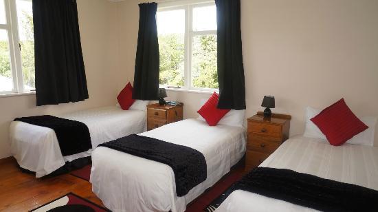 Cheviot Park Motor Lodge: Upper House Bedroom 3