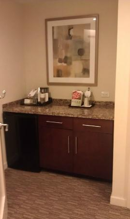 Las Palmeras, a Hilton Grand Vacations Club: Coffee area by front door
