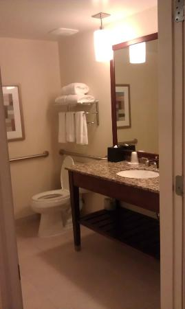 Las Palmeras, a Hilton Grand Vacations Club: bathroom