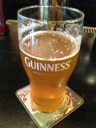 Seven Gables Inn: Tasty beverage at Molly Darcy's