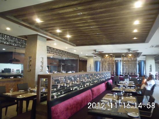 The Bellevue Resort Bohol: Restaurant