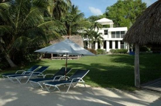 آزول ديل مار: Azul del Mar Beach Lawn
