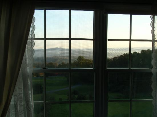 Brierley Hill Bed and Breakfast: Morning view