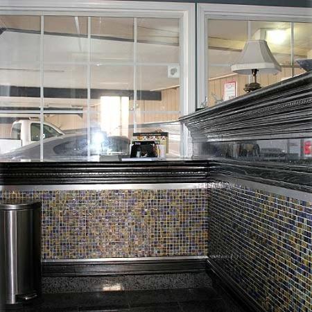 Best Budget Inn Fresno Lobby