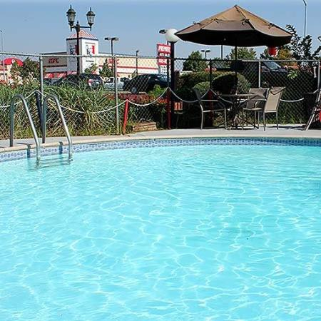 Best Budget Inn Fresno Pool