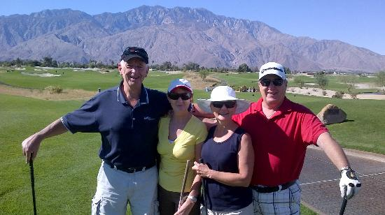 Cimarron Golf Resort: About to Tee Off with Friends
