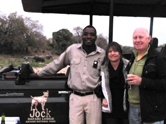 Jock Safari Lodge : Stopping for Gin & Tonics