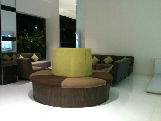 Q Hotel Bali: Lobby
