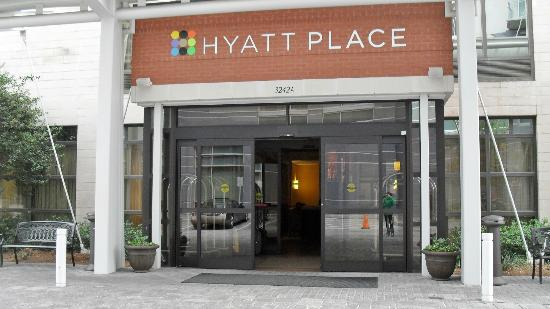 Hyatt Place Atlanta/Buckhead: Entrada do hotel