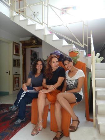 B&B Faro: Com a artista plástica Anna Faro (ao centro)