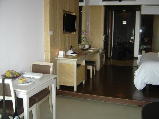 Katathani Phuket Beach Resort: Room from balcony looking back