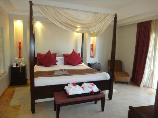 Majestic Elegance Punta Cana: Bed